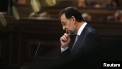 西班牙首相馬里亞諾.拉霍伊週三向國會議員公佈的緊縮計劃