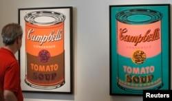지난 2011 스위스 바젤의 박람회에 앤디워홀의 '색칠된 캠팰의 수프캔'이 전시돼 있다.