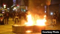旺角夜市大年初一爆发激烈警民冲突