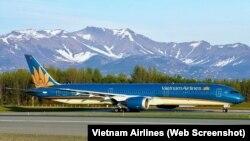 Vietnam Airlines vừa được Cục An ninh Vận tải Hoa Kỳ cấp phép cho thực hiện 12 chuyến bay hồi hương công dân Việt từ Mỹ trong năm nay.