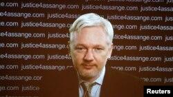 جولیان آسانژ، بنیانگذار وبسایت افشاگر ویکی لیکس