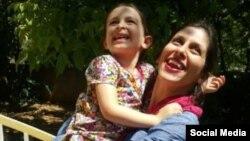 نازنین زاغری، ایرانی بریتانیایی تبار،در دیدار با دخترش در مرخصی