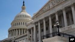 美国参议院投票通过了全面改革美国税务系统的法案