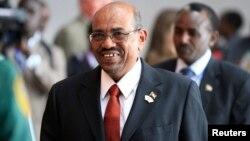 Presiden Sudan Omar al-Bashir tiba di Sudan Selatan untuk pertemuan dengan Presiden Salva Kiir (foto: dok)