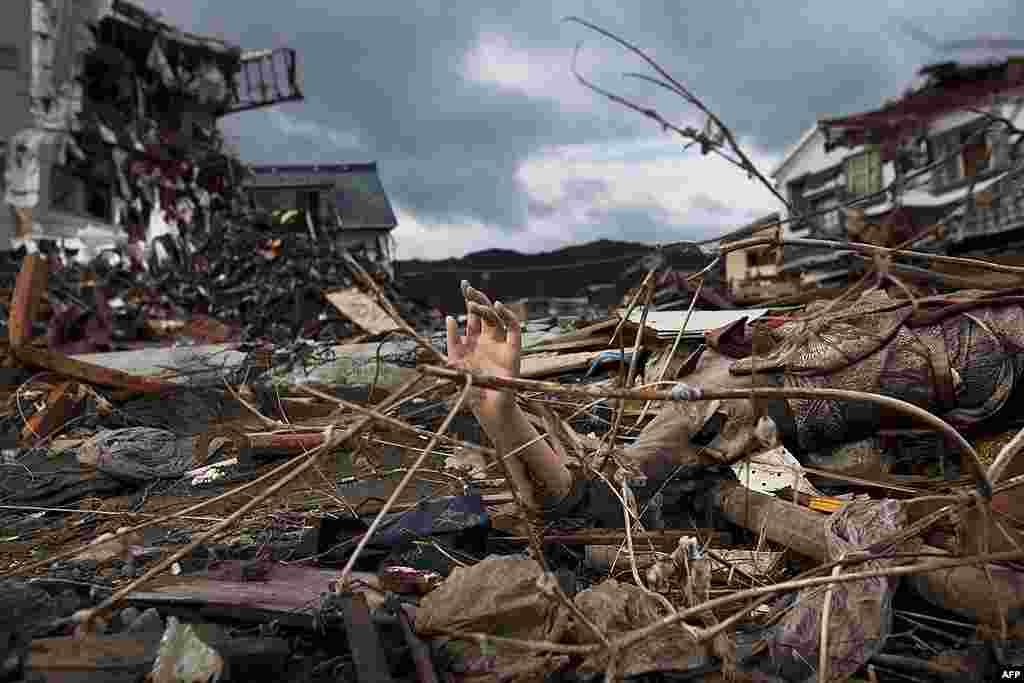 Разрушенный квартал в Кесеннуме, префектура Мияги. 30 мая 2011 г.