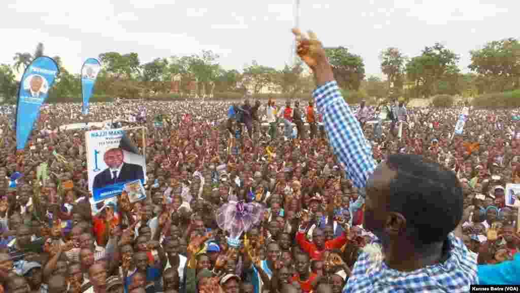 Kiza Besigye akiwa Mbale