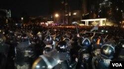 Kakıda aksiya polis tərəfindən dağıdılır