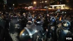 Bakıda aksiya polis tərəfindən dağıdılır