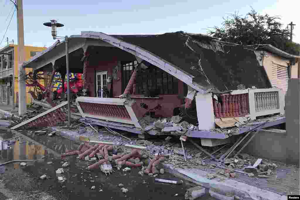 Un primer terremoto, el lunes, seguido por sismos de menor intensidad, había causado temor entre los vecinos, que no se atrevían a volver a sus casas por miedo a que otro sismo derribara los edificios.