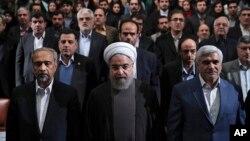 حسن روحانی خوشبین است با توافق هستهای و اثرات آن دوباره در انتخابات سال آینده موفق شود.