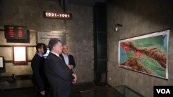 პოროშენკო საბჭოთა ოკუპაციის მუზეუმში