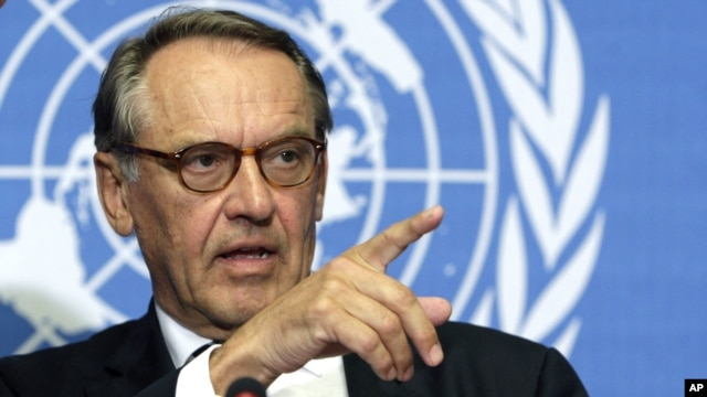 Jan Eliasson of Sweden, Special Envoy of the Secretary-General for Darfur, speaks during a press briefing about the Consultation on Darfur at the United Nations building in Geneva, Switzerland, Thursday, June 5, 2008.