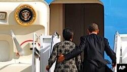 美国总统奥巴马前往夏威夷州主持亚太经合组织峰会