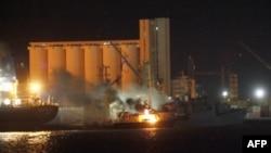 NATO, Kaddafi'nin 8 Savaş Gemisini Hedef Aldı