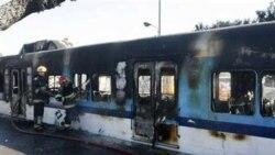آتش زدن واگن های قطار بدست مسافران خسته از تاخیر طولانی