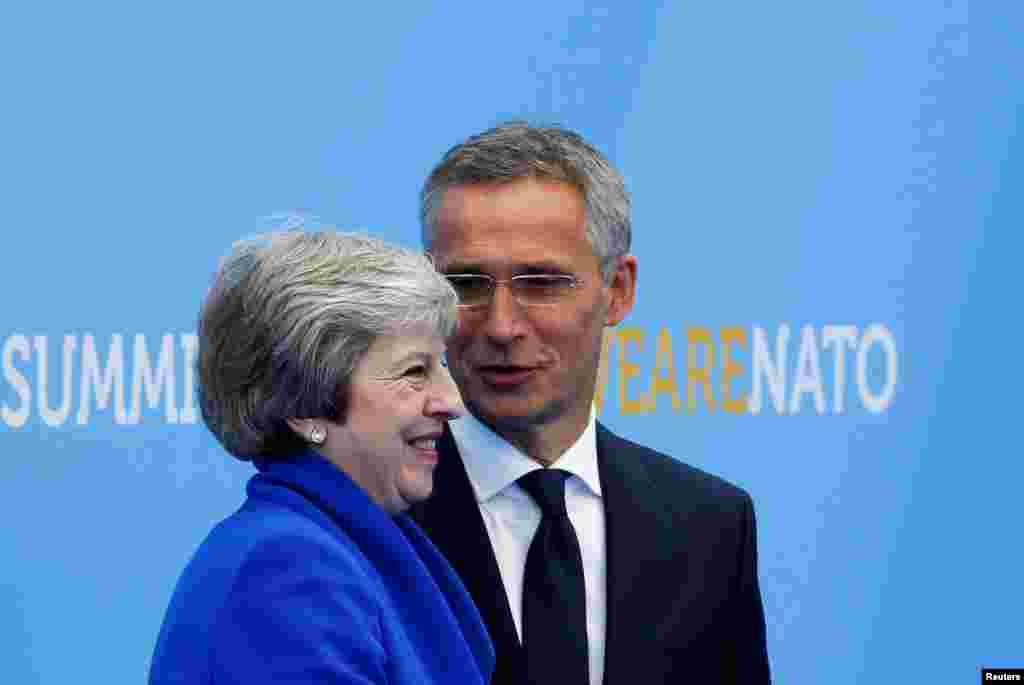 دیدار ترزا می نخست وزیر بریتانیا با دبیرکل ناتو در مقر سازمان ناتو در بروکسل