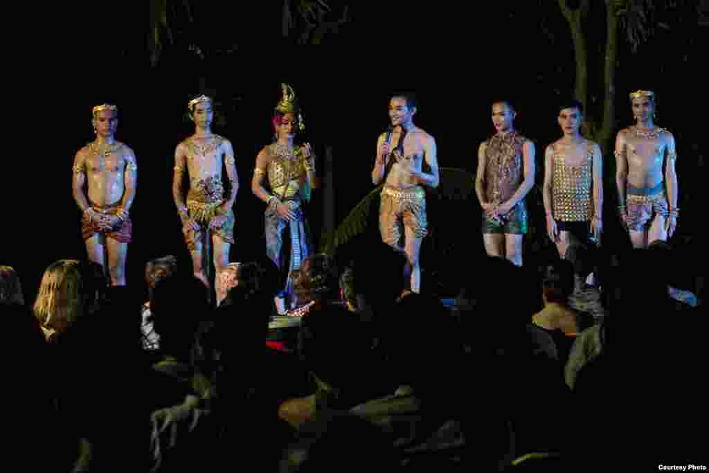 Choreographer Prumsodun Ok stands along his dancers while addressing the audience after the show, Siem Reap, Cambodia, July 15, 2017. (Photo: Enric Contreras)