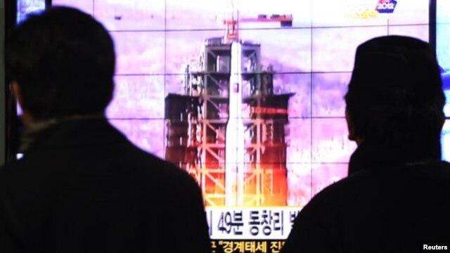 지난 12일 북한의 장거리 로켓 발사 소식을 전하는 한국 텔레비전 방송.