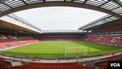 Stadion Anfield milik klub sepakbola Inggris, Liverpool.