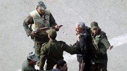 ارتش مصر با قرار گرفتن بين حاميان و مخالفان مبارک از افزايش خشونت ها جلوگيری می کند
