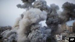 加沙地帶受襲後冒出濃煙