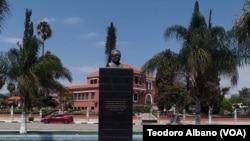 Busto de Agostinho Neto, Lubango, Huíla, Angola