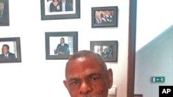 """Lázaro Cardenas Sierra, autor de """"Angola e a África Austral"""""""