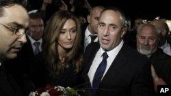 Ramuš Haradinaj sa suprugom u Prištini