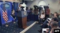 Predsednik Obama odgovara na pitanja novinara u vezi sa podizanjem granice zaduživanja i budžetskim deficitom u Beloj kući