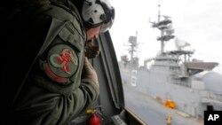 미 해군과 해병대가 지난해 6월 호주 시드니 해안에서 실시된 합동군사훈련에 참가했다. (자료사진)