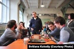 Hack4energy 2015 (у центрі - Роман Зінченко, співзасновник Greencubator)