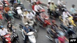 Việt Nam với dân số khoảng 87 triệu người có khoảng 34 triệu xe gắn máy và 1 triệu 600 ngàn xe hơi các loại.