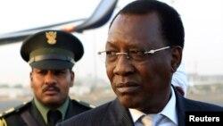 « Sachez dès aujourd'hui que notre frontière avec ce pays est hermétiquement fermée», a déclaré le président Idriss Deby