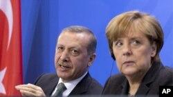 Almanya Başbakanı Angela Merkel Erdoğan'a yazılı kutlama mesajı gönderdi
