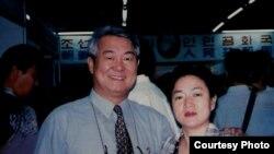 김동식 목사 부부.