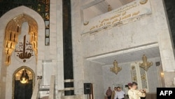 Hiện trường sau vụ đánh bom tự sát bên trong đền thờ Umm al-Qura ở Baghdad, ngày 28/8/2011