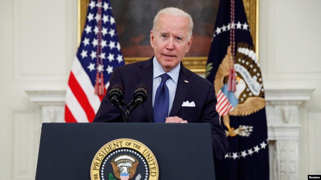 Tổng thống Mỹ Biden phát biểu ở Nhà Trắng hôm 4/5 về việc tiêm vắc-xin ngừa Covid-19.