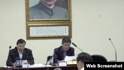 国民党代理党主席林荣德(右)2020年1月22日主持国民党中常会(国民党文传会提供)