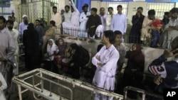 Pakistani: Inyuma y'igitero cahitanye abantu mirongo itatu, b'aba isilamu baturuka muba Sufi.