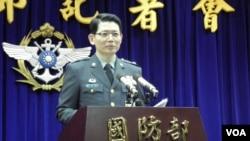 台湾国防部发言人罗绍和(美国之音申华拍摄)