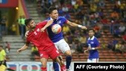 ملی پوش افغانستان در برابر بازیکن اندونیزیایی