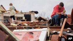 وقوع توفان در ایالت های جورجیا، کارولینای جنوبی، میسیسیپی و فلوریدا گزارش شده است.