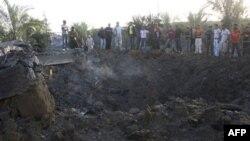 Palestinci utvrđuju štetu pričinjenu u izraelskom napadu na tri lokacije u Pojasu Gaze