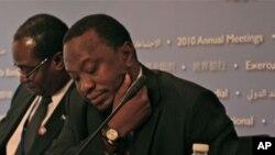 Uhuru Kenyatta, waziri wa fedha wa Kenya kwenye mkutano wa Benki Kuu ya Dunia Wshington Dc, Oct, 2010.