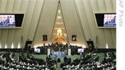 وقايع روز: اختلاف محمود احمدی نژاد و مجلس در مورد لايحه هدفمند کردن يارانه ها