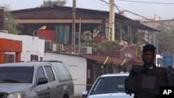 La discothèque apperçue ici était la cible d'une attaque à explosion le 7 mars 2015.