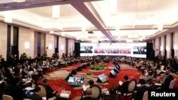 2019年8月2日,美國國務卿蓬佩奧和東盟外長在泰國曼谷參加第二十六屆東盟區域論壇。