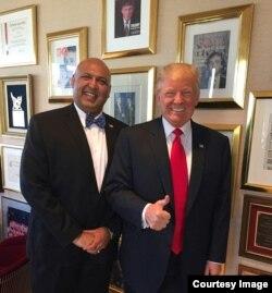 ساجد تارڑ، سابق امریکی صدر ڈونلڈ ٹرمپ کے ساتھ