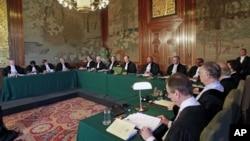 Lecture du verdict à la Cour Pénale Internationale de la Haye le 20 juillet 2012, ordonnant la poursuite de l'ancien dirigeant tchadien Hissène Habré.