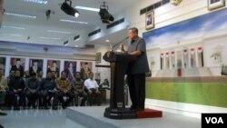 Presiden Susilo Bambang Yudhoyono saat mengumumkan instruksinya untuk mengamankan jalannya pemilihan presiden 2014. (VOA/Andylala Waluyo)